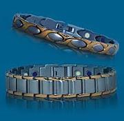 Браслеты магнитные,  с керамикой,  позолоченные,  содержат ионы серебра.