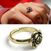 Кольцо цветок регулируемое для женщин