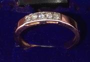 золотое колечко с бриллиантами